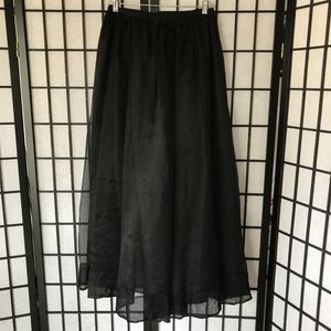 ⬇️ $26 DKNY Silk Skirt Fully Lined Size 2